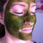 Een Matcha gezichtsmasker voor een stralend uiterlijk