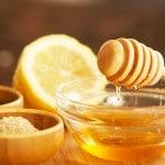 Zelfgemaakte facewash met honing